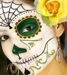 Paint a decorative skull face for Dia de los muertos or Day of the Dead. These makeup video tutorials will help you get the perfect sugar skull look with face paints. Witch Face Paint, Skull Face Paint, Sugar Skull Face, Sugar Skull Makeup, Sugar Skulls, Halloween Makeup Witch, Facepaint Halloween, Halloween Ideas, Halloween Costumes