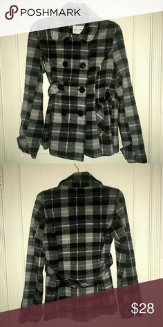 DELIAS - Classic Checkered Coat - Sz. L This coat is super chic and features black buttons with anchors on them. It is beautifully fitting and is in great pre-loved condition! Delias Jackets & Coats