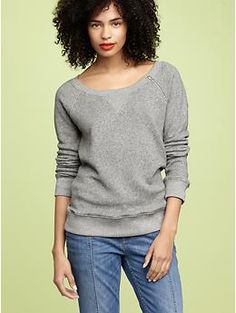 I love grey. I think if I could have a signature color it would be grey. I enjoy this fitted but slouchy look b/c it can be used in a myriad of ways.