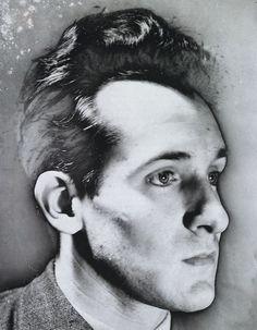 Raoul Ubac. Autoportrait solarisé (Solarized self-portrait). 1940. Gelatin silver print