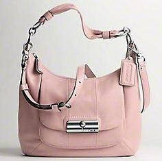 http://howdoilovetheestyle.blogspot.com/search/label/purse?updated-max=2011-09-15T16:47:00-04:00=20