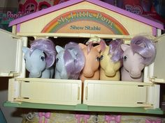 Vintage My little Ponies and stable!