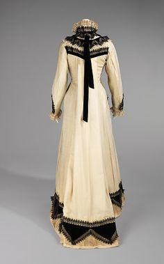 Tea gown (back view) - American - 1875