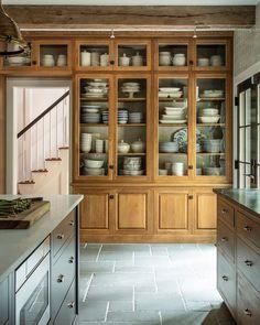 Lauren Liess (@laurenliess) • Instagram photos and videos Dream Home Design, House Design, New Kitchen, Kitchen Decor, Beautiful Kitchens, Interior Design Kitchen, Home Kitchens, Kitchen Remodel, Sweet Home