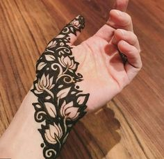 Explore Best Mehendi Designs and share with your friends. It's simple Mehendi Designs which can be easy to use. Find more Mehndi Designs , Simple Mehendi Designs, Pakistani Mehendi Designs, Arabic Mehendi Designs here. Henna Hand Designs, Mehndi Designs Finger, Mehndi Designs For Beginners, Modern Mehndi Designs, Mehndi Design Pictures, Mehndi Designs For Fingers, Mehndi Designs For Girls, Beautiful Henna Designs, Henna Tattoo Designs