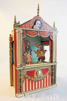 junk&stuff: Tiny Paper Theater, full of photos and tips Junk & Stuff: Tiny Paper Theatre, voller Fotos und Tipps Circus Crafts, Circus Art, Marionette, Paper Art, Paper Crafts, Foam Crafts, Punch And Judy, Toy Theatre, Craft Box