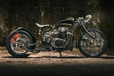 There's something very cool about hearing from a shop that you'd almost forgotten about. Better yet, when they come knocking with a custom bike that takes your breath away, you know something big is afoot. So, like an artist emerging from their studio with their once-in-a-lifetime masterpiece..., http://www.pipeburn.com/home/2018/01/11/star-lord-galaxy-customs-duke-yamaha-xs650.html