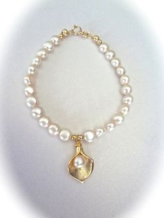 Gold Calla lily pearl bracelet Freshwater by QueenMeJewelryLLC