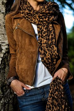 fall colours - leopard scarf + tan suede biker jacket. Dont like the leopard scarf, but a black or tan would work nice. Gorgeous outfit. No doubt.