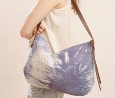 We think Our Stone Monkey Gals might just like the look of this naturally dyed bag. Leather Dye, Canvas Leather, Cloth Bags, Baby Sewing, Hippie Boho, Color Patterns, Fun Travel, Travel Bag, Tie Dye