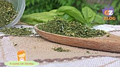 Come essiccare velocemente le erbe al microonde - Veronica 's cook & more Veronica, Parsley, How To Dry Basil, Herbs, More, Cooking, Canning, Kitchen, Herb