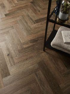 Amtico Spacia Noble Oak in parquet laying pattern