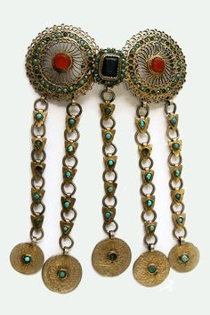 Tatarstan - Kazan | Collar clasp; silver, gilt silver, carnelian and turquoise. Open filigree, casting | 19th century