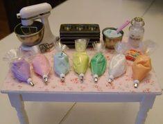 Baking In Miniature...so cool tiny, tiny dollhouse stuff: