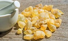 11 Science-Backed Frankincense Oil Benefits You Should Know Known as liquid gold and the most precious of the essential oils, frankincense essential oil is used for relaxation, immune support, and moo Essential Oils For Face, Essential Oil Uses, Natural Cancer Cures, Natural Cures, Natural Health, Frankincense Essential Oil Benefits, Coconut Health Benefits, Superfood, Herbalism