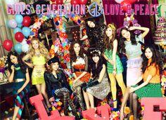 소녀시대, 일본 정규 3집 'Love&Peace' 오리콘 차트 1위 http://kpopenews.com/1604 고화질 보도 사진과 객관적인 기사를 전달하는 K-POP 전문 미디어
