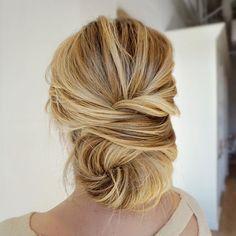 #texture #thebridebar #theblowoutbar #updo #upstyle #romantic #modernsalon #behindthechair #beyondtheponytail #beauty #kevinmurphy #picoftheday #aseenincolumbus #614 #wedding #weddingseason #weddinghairstyle #bridalhair #elegant #hair #bridesmaid #bridebook #longhairdontcare #ighair #hairinspo