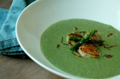 Creamy Asparagus Soup with Seared Scallops - great first course recipe for Easter dinner. Could be served cold or hot!