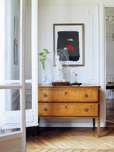 Styling | mouldings | love this stylish entry