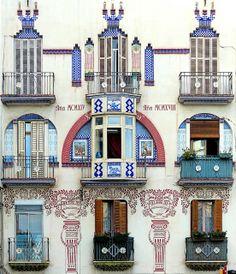 Barcelona - Meridiana 101 a 1 ∞ Clot. Modernisme.