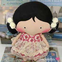 Essa fofura vai conhecer seu novo lar em Goiás @leticia_gmv está ansiosa e cheia de amor  para receber a nova integrante dá família ❤ #tilda #tildinha #tildatoy #bonecadepano #tildatoys #feitocomamor  #feitocomcarinho #mãedemenina #gravidez #coisasdemenina #maternidade #fofura  #chádebebê #decoração #doll #dolls #tildaworld #costurinhas #princesas #newborn #atelie #artesanato #recemnascido #futuramamae #tonefinnanger #vestidodeboneca