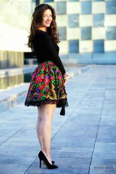 Discover recipes, home ideas, style inspiration and other ideas to try. 15 Dresses, Stylish Dresses, Cute Dresses, Casual Dresses, Fashion Dresses, Fiesta Outfit, Mexican Outfit, Mexican Dresses, Mexico Fashion