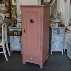 Potravinová skříňka, špajzka v růžové PATINĚ