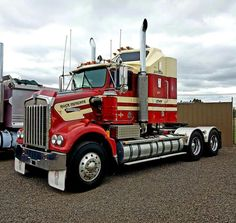 15 Best Trucks In The World [Cool Trucks Pictures] Kenworth Trucks, Mack Trucks, Big Rig Trucks, Peterbilt, Cool Trucks, Pickup Trucks, Semi Trucks, Train Truck, Road Train
