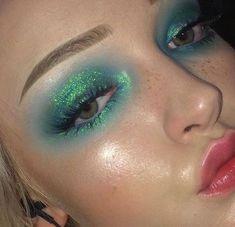 make-up - euphoria - green - eyes On paper, organic makeup foundation needs to be Makeup Goals, Makeup Inspo, Makeup Inspiration, Makeup Tips, Makeup Ideas, Eye Makeup, Makeup Art, Weird Makeup, Makeup Salon