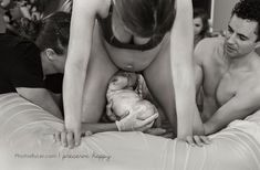 14 Raw Photos That Celebrate What Giving Birth Actually Looks Like Calm Birth, 50th Birth, Birth Giving, Birth Photos, Intimate Photos, Raw Photo, Birth Photography, Natural Birth, Baby Center