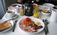 Digérer un full English breakfast English Breakfast, Mille, French Toast, Food, London, Things To Make, Essen, Meals, Yemek