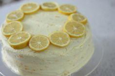 Amazing cake perfect for spring: lemon-orange chiffon cake via Eat Drink Pretty
