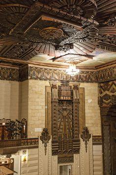 Warner Grand Theater San Pedro CA - source Art Deco. Art Deco Decor, Art Deco Home, Art Deco Design, Decoration, Architecture Art Nouveau, New Architecture, Architecture Details, Classic Decor, Interiores Art Deco