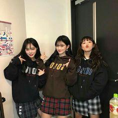 something special ♡ Mode Ulzzang, Ulzzang Korean Girl, Cute Korean Girl, Asian Girl, 3 Best Friends, Korean Best Friends, Best Friend Photos, Ulzzang Girl Fashion, Bff Girls