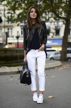 Lederjacke Schwarz-Weiß-Outfit-Ideen Your Attitudes Are The Clothes Of Your Soul How are you dressed How To Wear White Converse, How To Wear White Jeans, White Converse Outfits, Converse Fashion, Black And White Outfit, White Jeans Outfit, White Pants, White Denim, Converse Outfits
