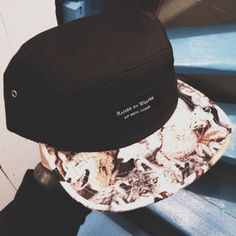 Raised by Wolves – 5-Panel – Animal Print