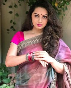 Beautiful Girl Image, Most Beautiful Women, Beautiful Outfits, Beautiful Bollywood Actress, Beautiful Indian Actress, Beauty Full Girl, Beauty Women, Saree Photoshoot, Indian Beauty Saree