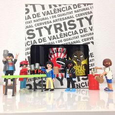 Birra & friends #beer #birra #cerveza #friends #tyris #valencia #artesanal #playmobil #playmobile #iphone5 #cliks #clicks #toys #toy #toystagram #natural #quality