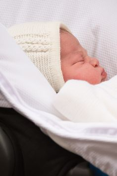 ♥ Royal Baby First Picture As Kate Middleton, William And New Princess Leave Hospital 2 May 2015 ♥