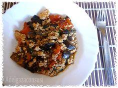 Pollo picado con berenjena y pimiento,¡ plato único y light! (1/3)   Cals: 262kcal | Grasa: 8,18g | Carbh: 15,01g | Prot: 33,27g     Can...