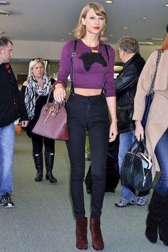 Taylor Swift lascia il Narita International Airport, l'8 novembre 2014.  -cosmopolitan.it