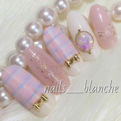 チェックネイル❤︎ピンクでラブリーに。 #チェック #デコ #デート #春 #冬 #ホログラム #パープル #ピンク #バレンタイン #ラメ #リボン #ジェルネイル #ホワイト #ハンド #ミディアム #チップ #nails___blanche #ネイルブック