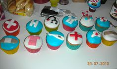 cupcakes for a nurse friend ^_^