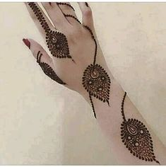 🍂 🍃 Georgous flowing leaves on stems along the arm 😍 Modern Henna Designs, Stylish Mehndi Designs, Mehndi Design Pictures, Best Mehndi Designs, Henna Designs Easy, Beautiful Henna Designs, Henna Tattoo Designs, Mehndi Images, Beautiful Mehndi