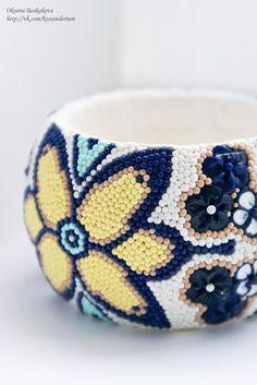 Stunning polymer clay bangle by Oksana Baskakova. It took her 45 hours to make! (Page has been translated).
