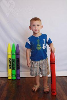 Fun Giant Crayon Photography Props!