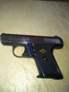 Flobert pistole Perfecta - cal.4mm - Flobert pistole perfecta niklovaná i černěná, cal.4mm,více kusu pěkný zachovalý stav,ceny od 1500kč,zbran volně prodejná od 18ti let.https://s3.eu-central-1.amazonaws.com/data.huntingbazar.com/10682-flobert-pistole-perfecta-cal-4mm-flobertky.jpg