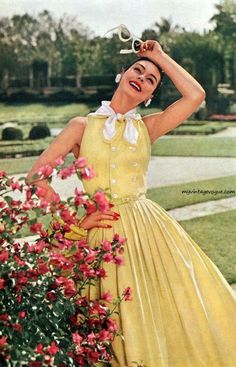 A lovely butter yellow summer dress from Celanese modelled by Anne Gunning, 1956. #vintage #1950s #fashion