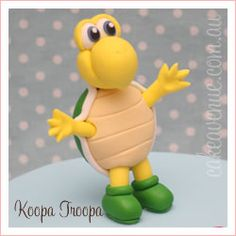Koopa Troopa from Mario Kart Mario Bros Cake, Super Mario Cake, Fondant Figures Tutorial, Fondant Toppers, Fimo Clay, Handmade Polymer Clay, Clay Projects, Clay Crafts, Mario Crafts