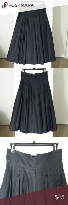 "H&M midi  skirt navy , pleated, flared. Size8 , but true size is 6, navy, in perfect condition, with lining, machine wash, zipper on side, adjustable waist. Waist 15"", length 31"" H&M Skirts Maxi"
